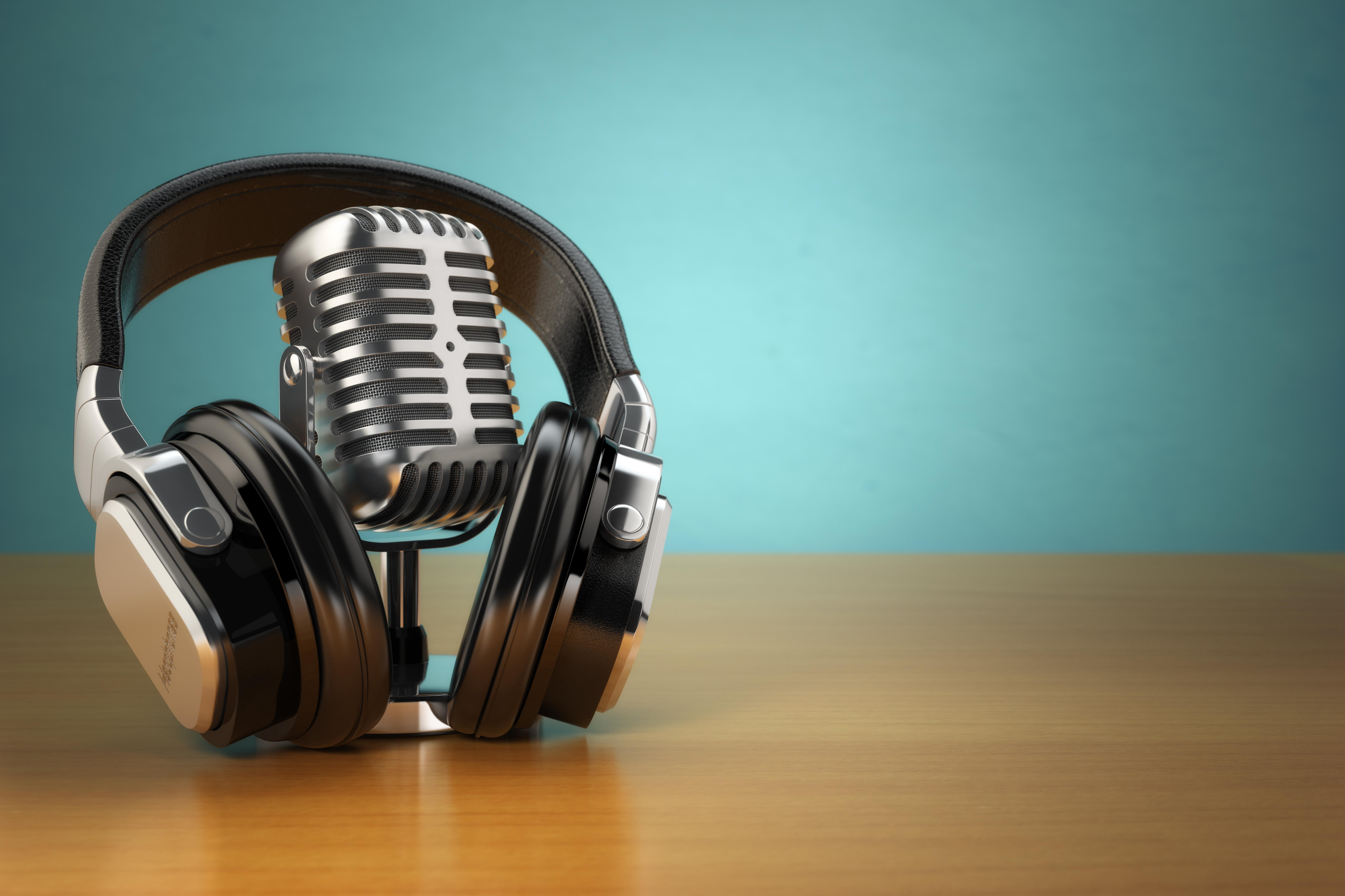 micrófno auriculares podcast
